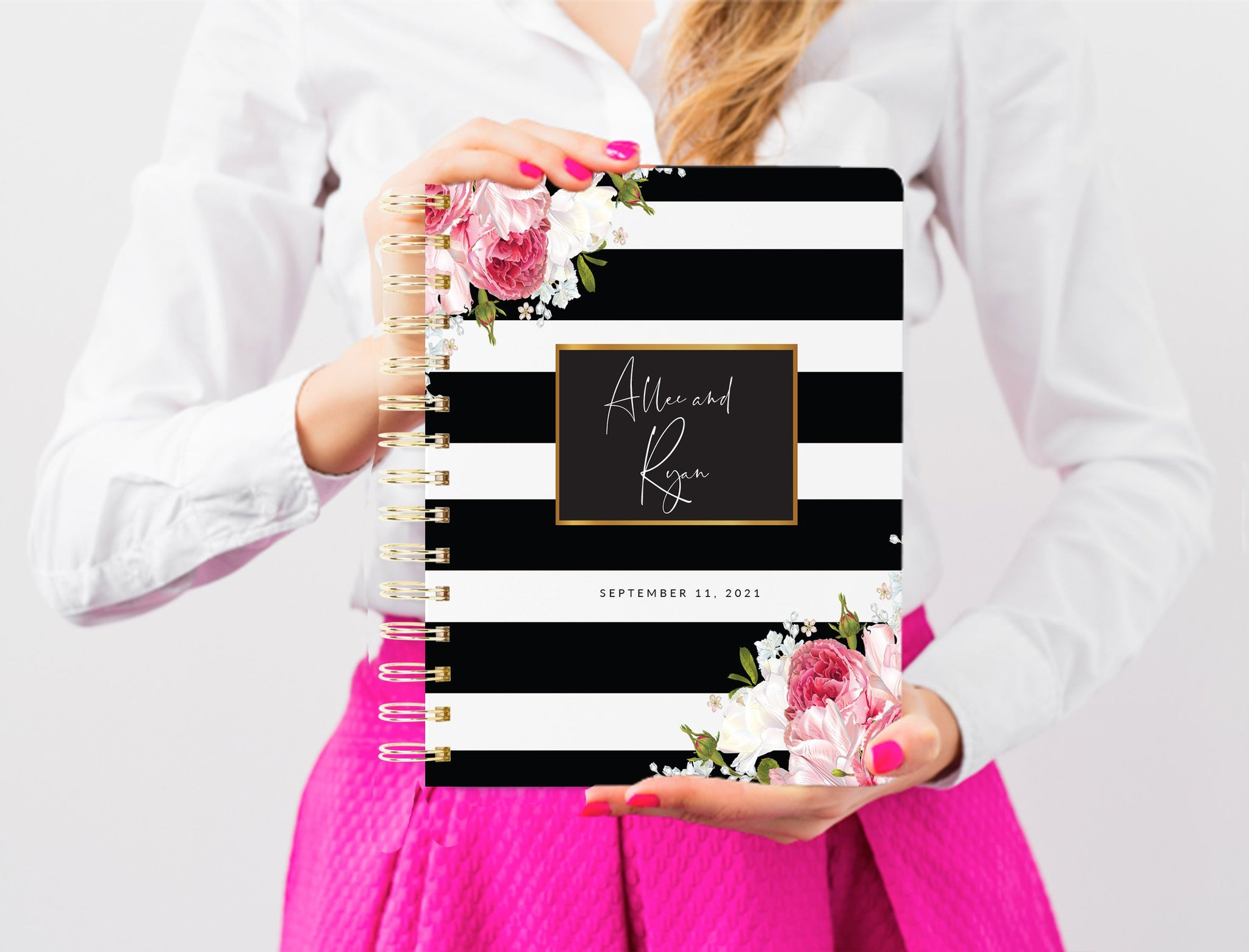 Wedding Planner Book, Custom Wedding Planner Book, 200 PAGES, Personalized Wedding Planner, Bridal Shower Gift, digital files, Black Floral