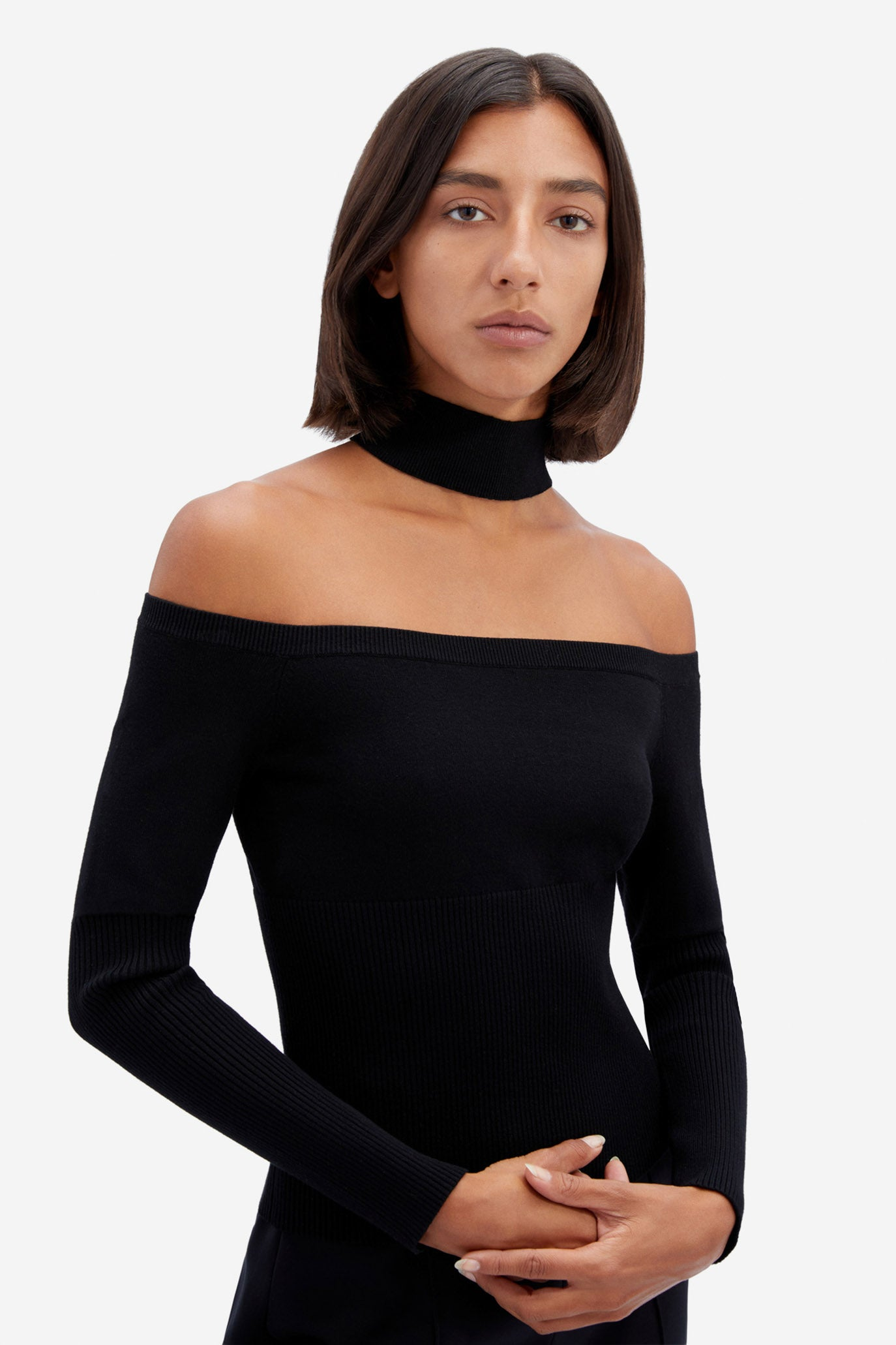 Lila Cold Shoulder Pullover