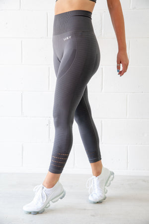 HIGH WAIST LIGHT GREY LEGGING