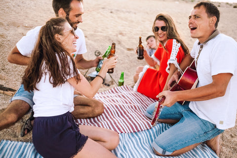O2 Living blog - Living health and wellness hemp extract and progesterone - friends enjoying picnic together