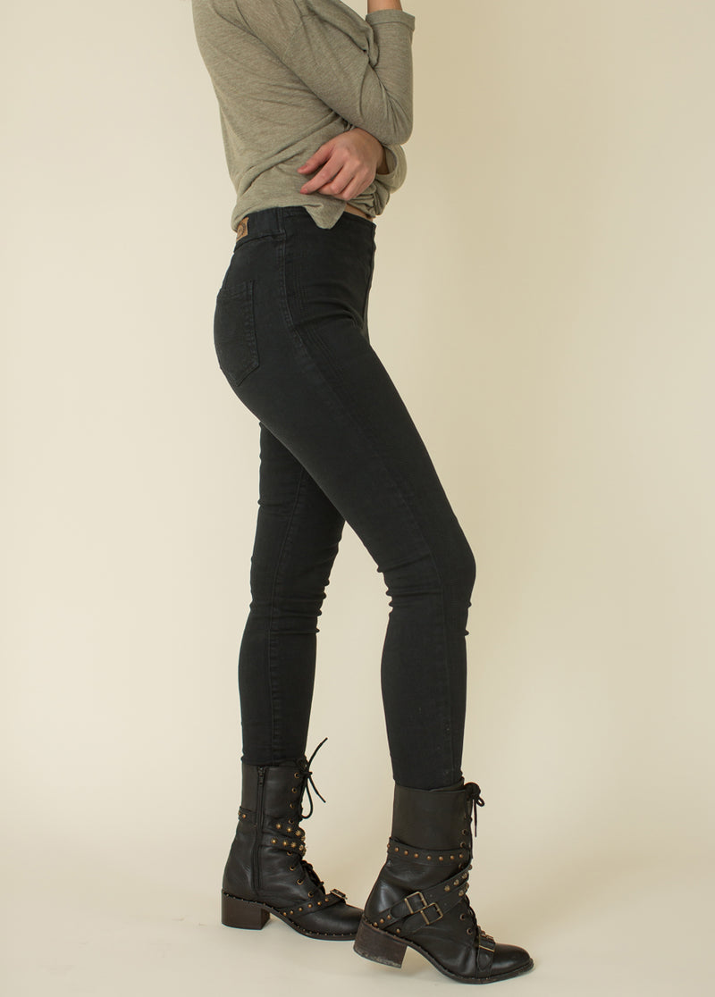 Brytny High-Waisted Denim in Black