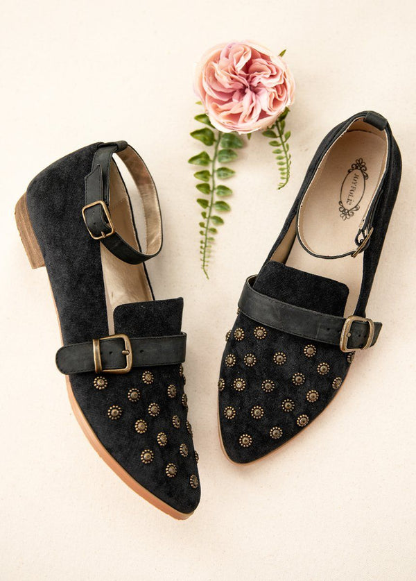 Harlow Flat in Black