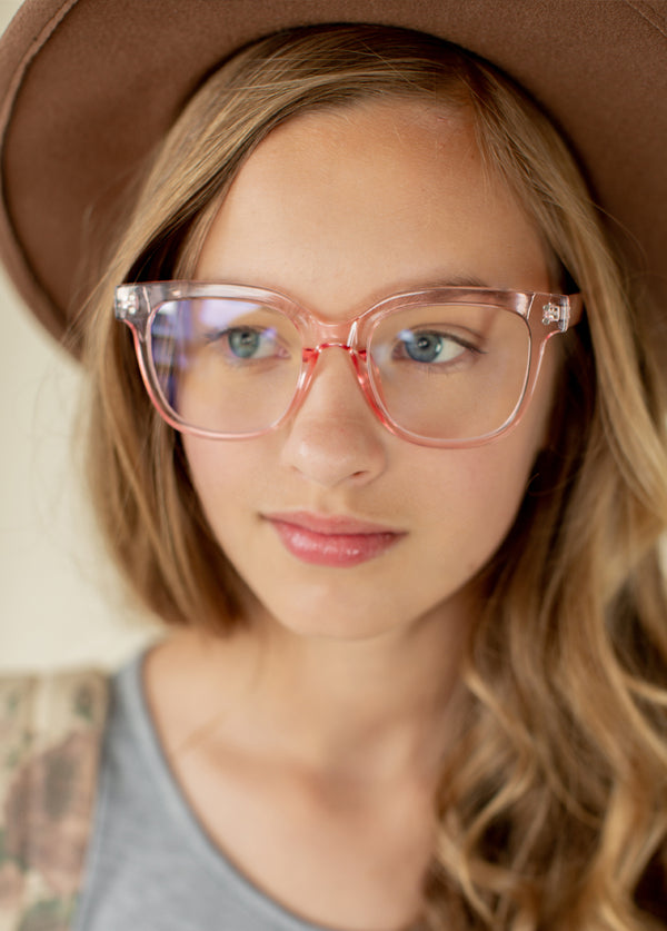 Harriet Blue Light Glasses in Smoke Pink
