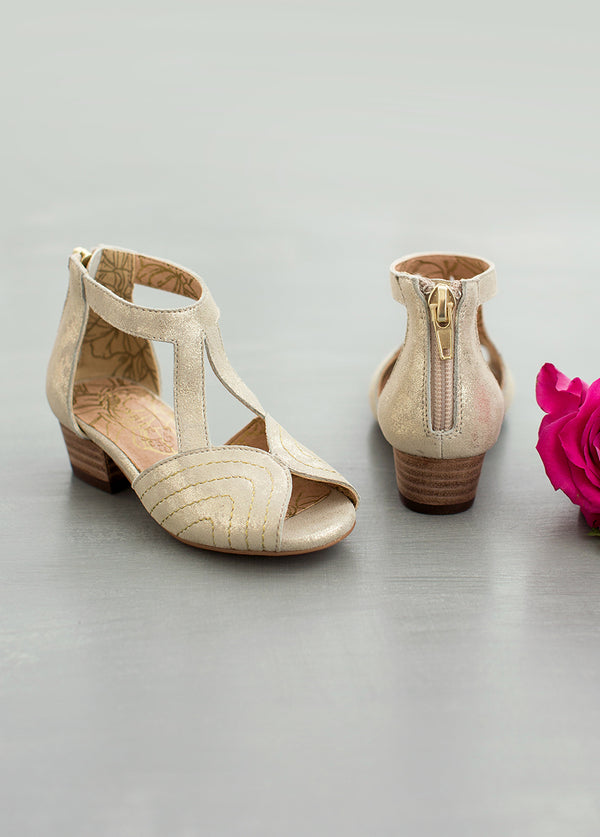 Orelia Shoe in Gold