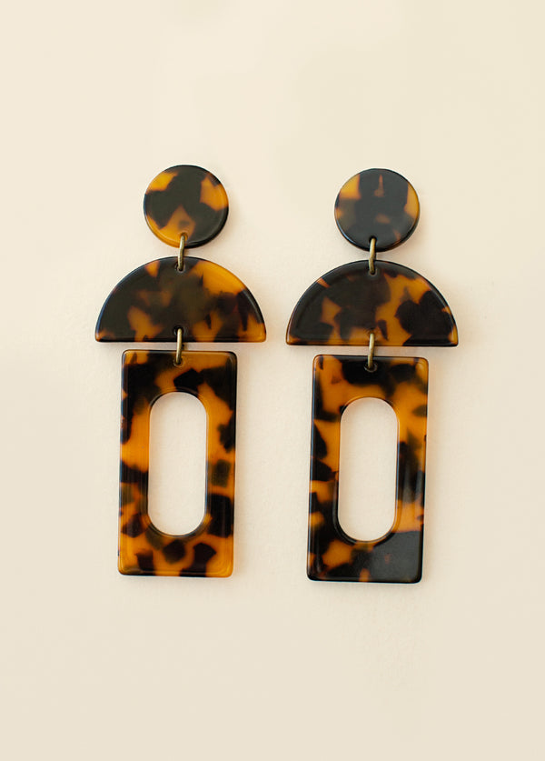 Rilah Earrings in Tortoise