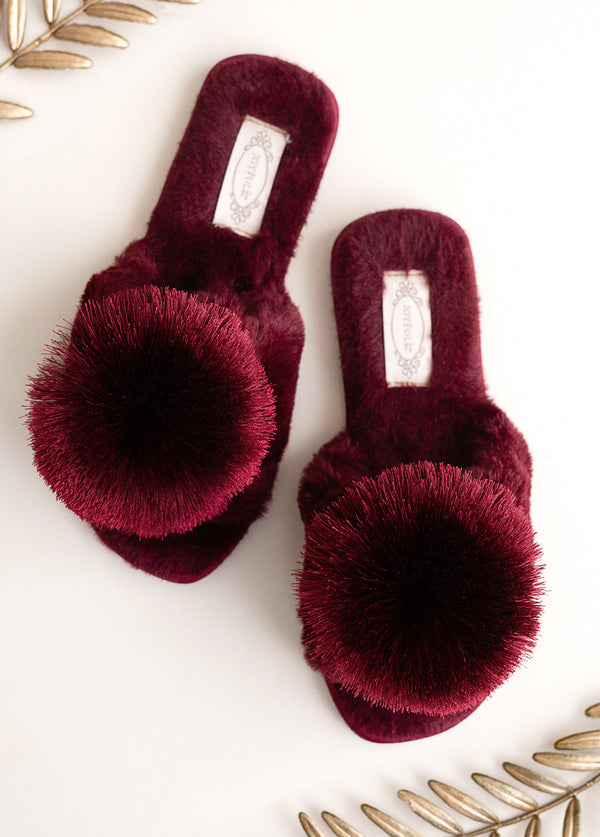 Tia Pom Slipper in Burgundy