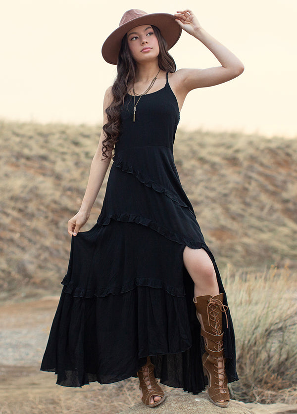 *NEW* Faethe Dress in Black
