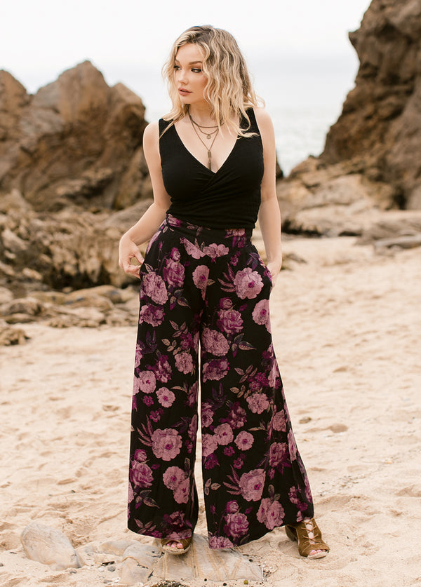 *NEW* Jennah Set in Faded Black Floral