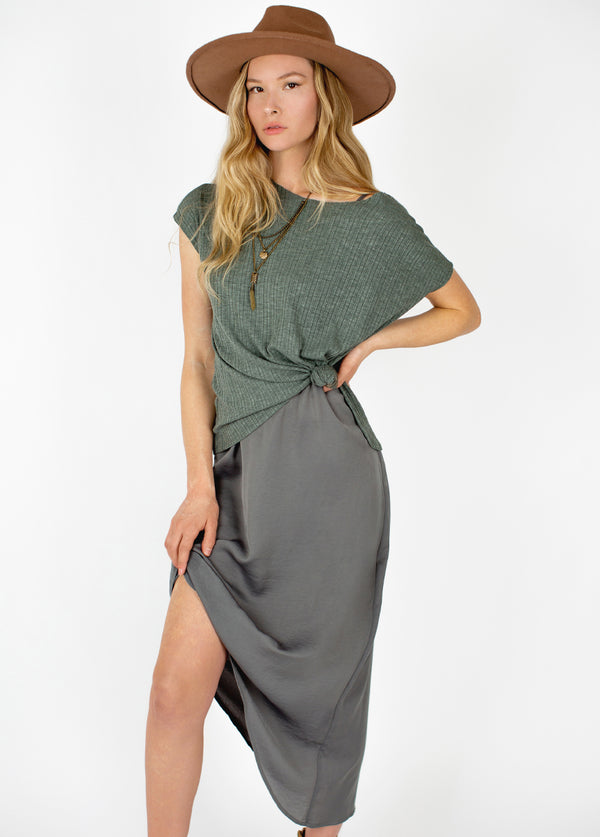 Mae Set in Khaki Grey