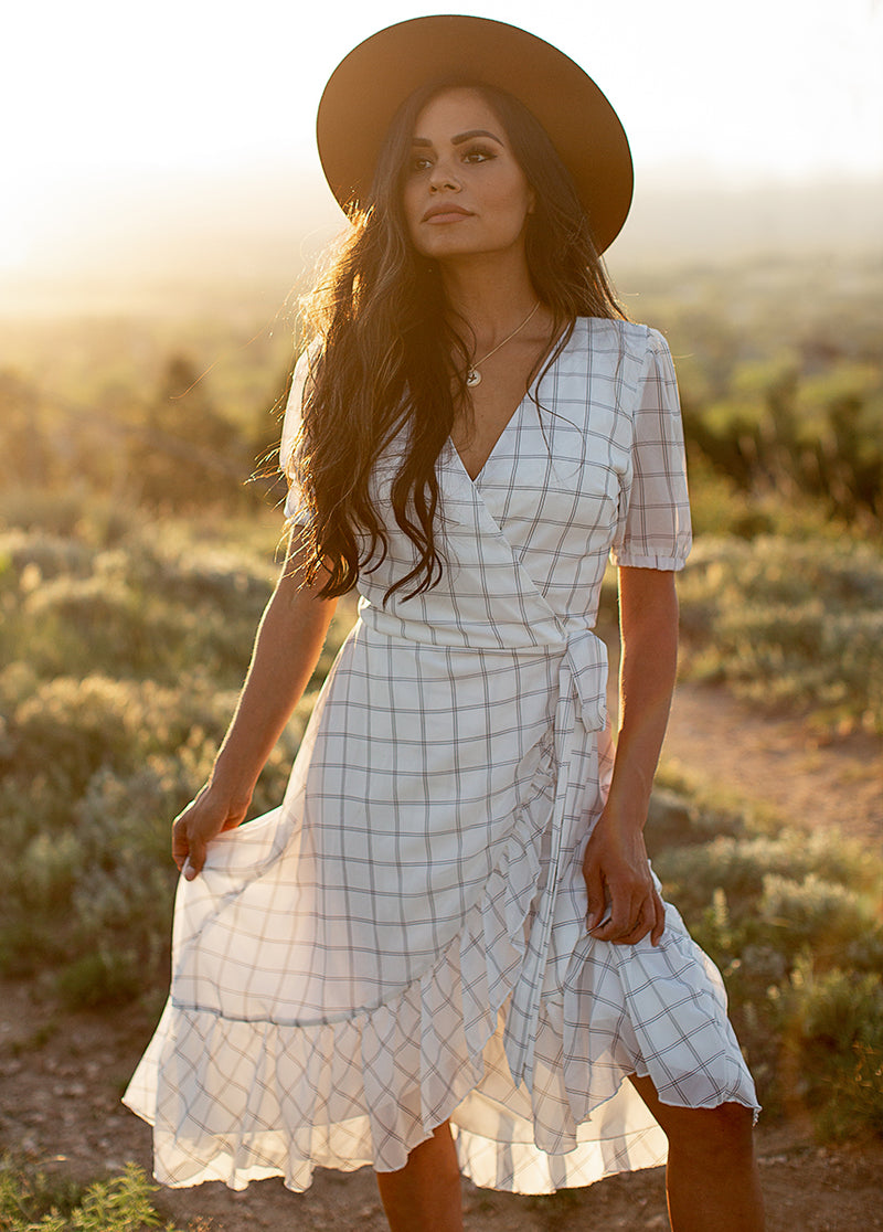 Pippa Dress in White Plaid