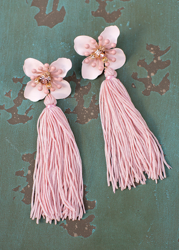 Tessa Earrings in Nude Pink