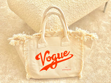 Laden Sie das Bild in den Galerie-Viewer, Carlie Bag offwhite