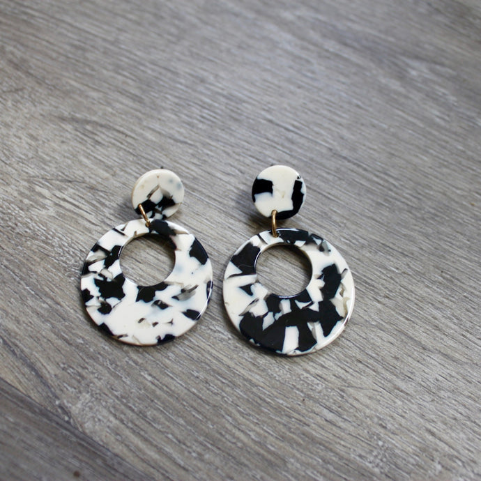 Dappled Resin Earrings