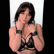 Load image into Gallery viewer, Bondgae Leather Cuffs Black-Rose Gold