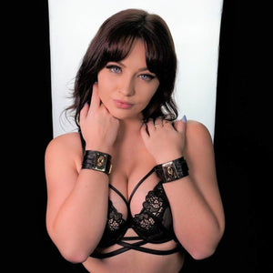 Bondgae Leather Cuffs Black-Rose Gold
