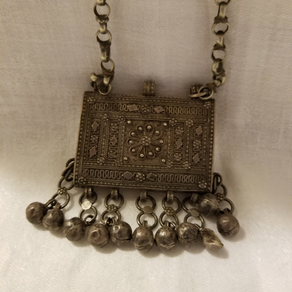 Antique Yemenis tribal silver necklace