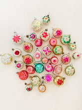 Load image into Gallery viewer, Vintage Glass - Flower Ornaments