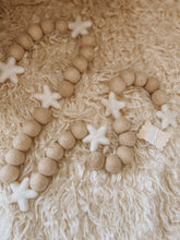 Load image into Gallery viewer, Vintage Star Garland - White Star