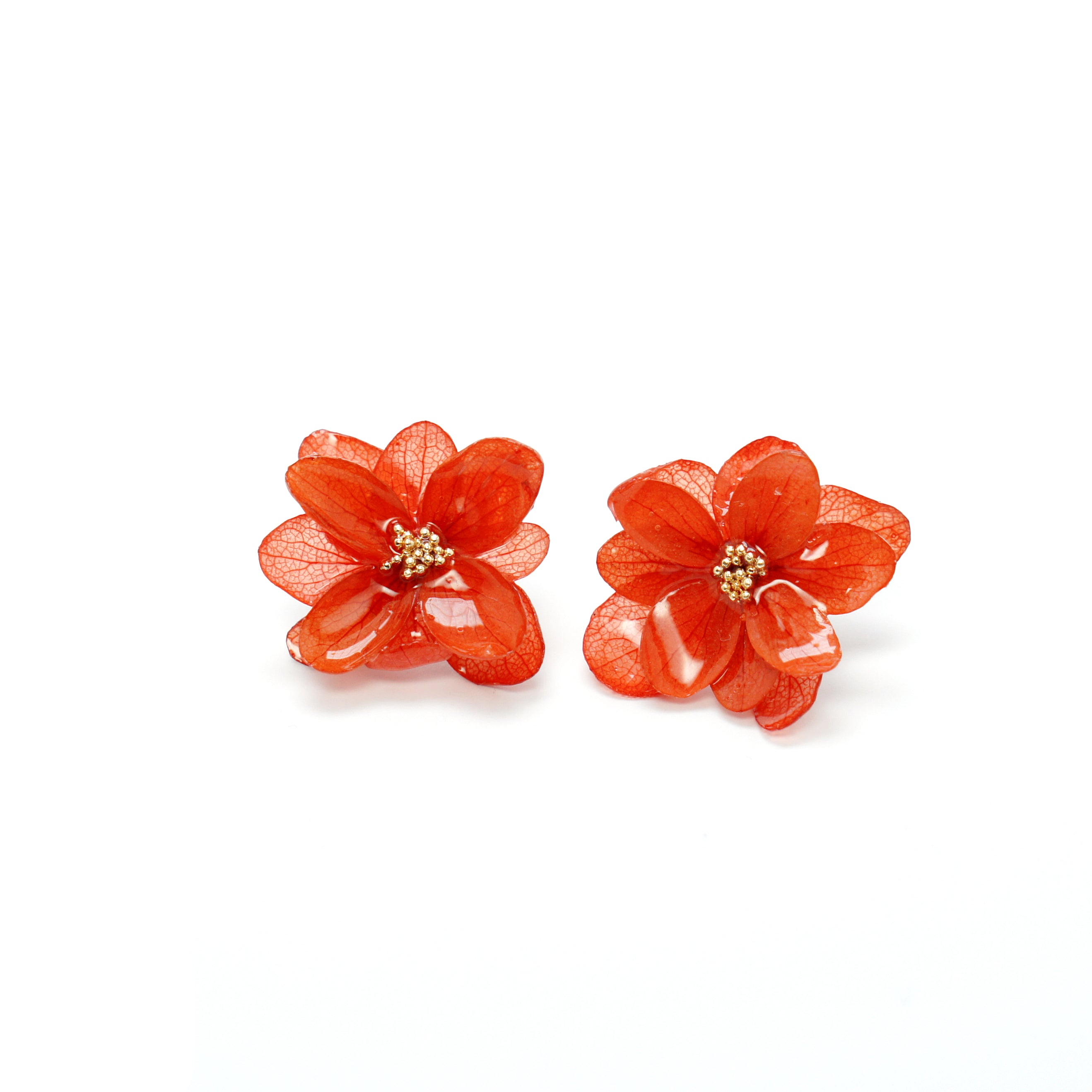 [Season's Specials] *REAL FLOWER* Mariesii Layered Red Hydrangea Flower Stud Earrings