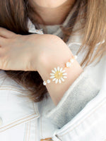 Load image into Gallery viewer, *REAL FLOWER* Reborn White Daisy Bracelet, Freshwater Pearls & Gold-plated