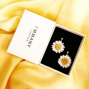*REAL FLOWER* White Daisy Drop Earrings w/18k Gold Vermeil Studs