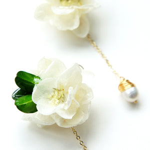 *REAL FLOWER* Annabelle White Hydrangea Flower Drop Earrings