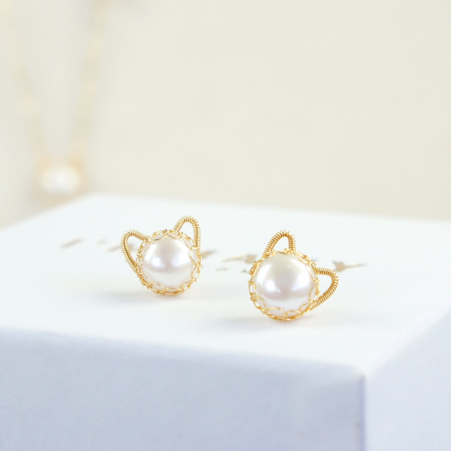 You're Purrfect 10mm Freshwater Pearl Cat Earring Studs