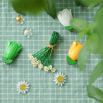 Load image into Gallery viewer, Sweet as a Bouquet of Daisies Hair Clip