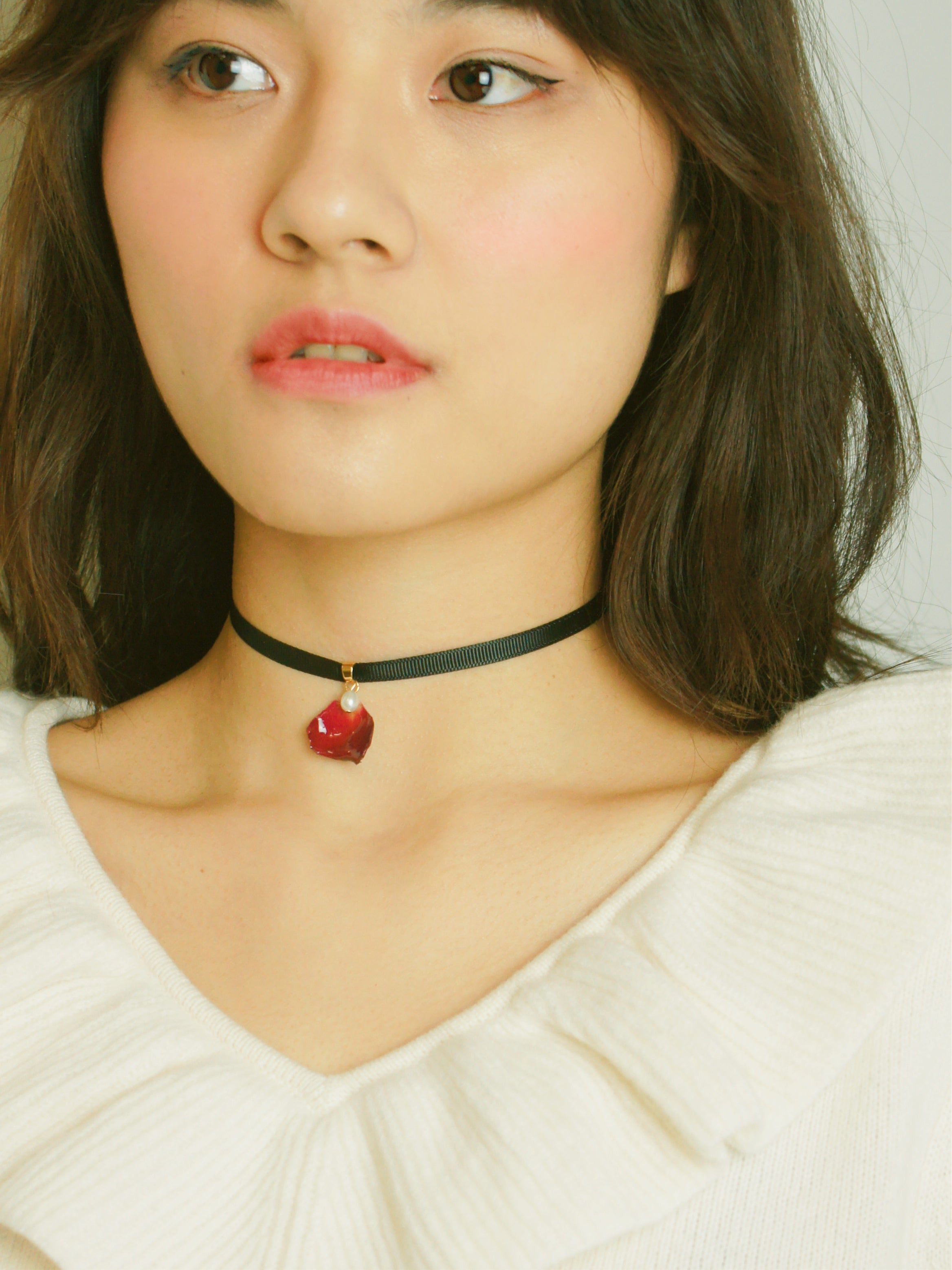 *REAL FLOWER* Grande Amore Rose Petal Ribbon-tie Choker/Necklace