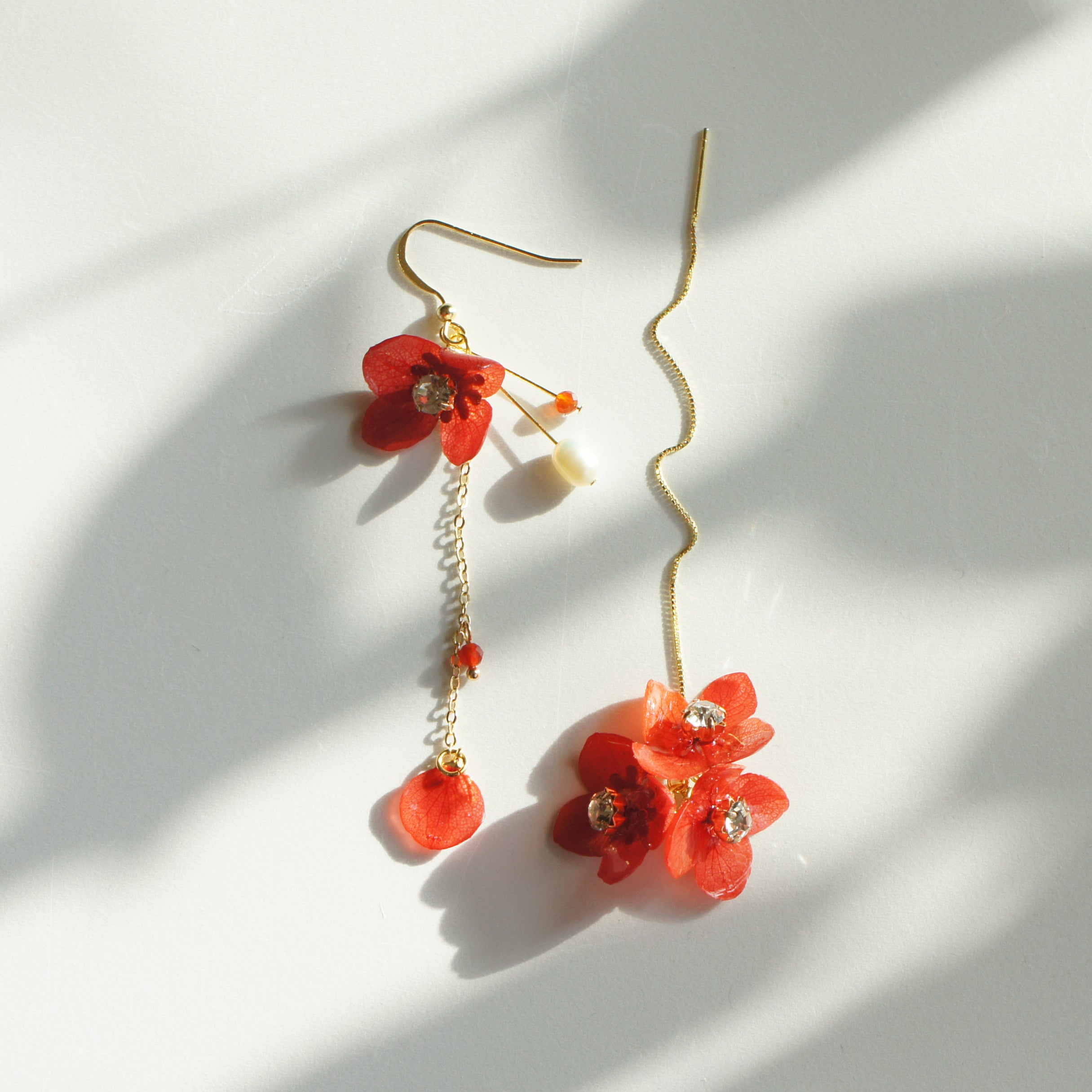 *REAL FLOWER* Mariesii Red Hydrangea Gold Vermeil Single Earring/Set