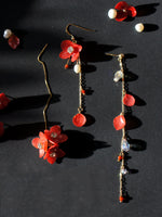 Load image into Gallery viewer, *REAL FLOWER* Mariesii Red Hydrangea Gold Vermeil Single Earring/Set