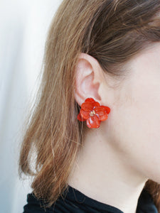 *REAL FLOWER* Mariesii Layered Red Hydrangea Flower Stud Earrings