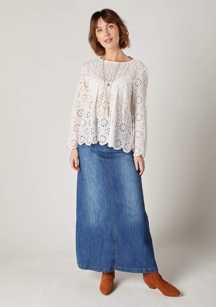 Full -length informal front pose ladies long stonewash denim skirt