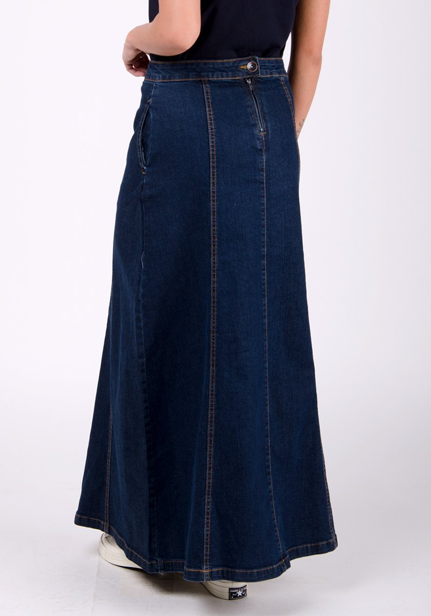 Close-up rear pose of pure cotton Matilda-style skirt showing panelled detailing, back zip and side pockets.