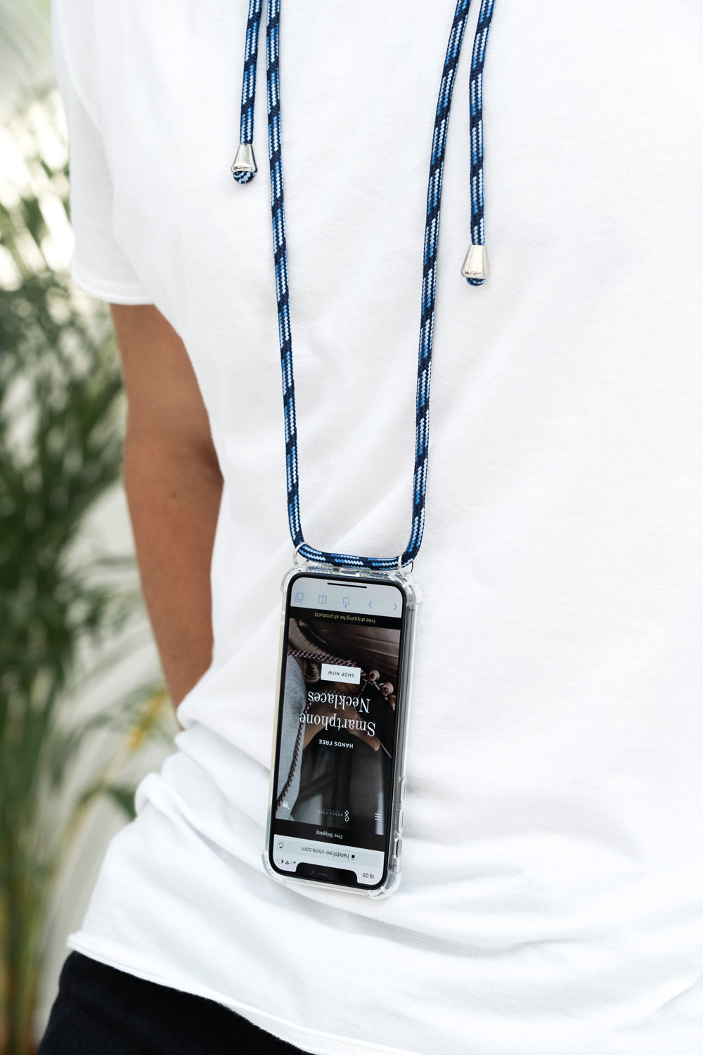 stylish Smartphone Necklace blue black. Keep your hands free. Handsfree. Protect your phone. Protective cover