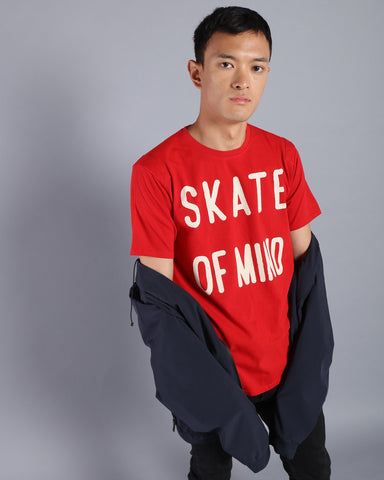 Graphic Longline Tshirt with High-Low Hem In Red