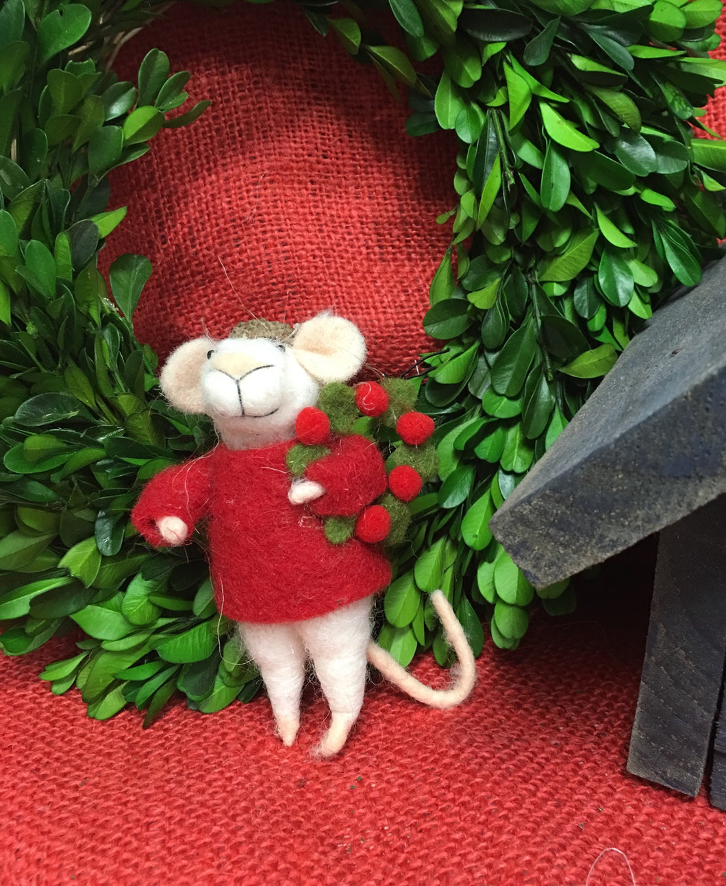 Christmas Mouse with wreath ornament