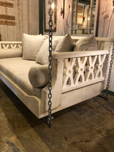 Tallapoosa Swinging Bed