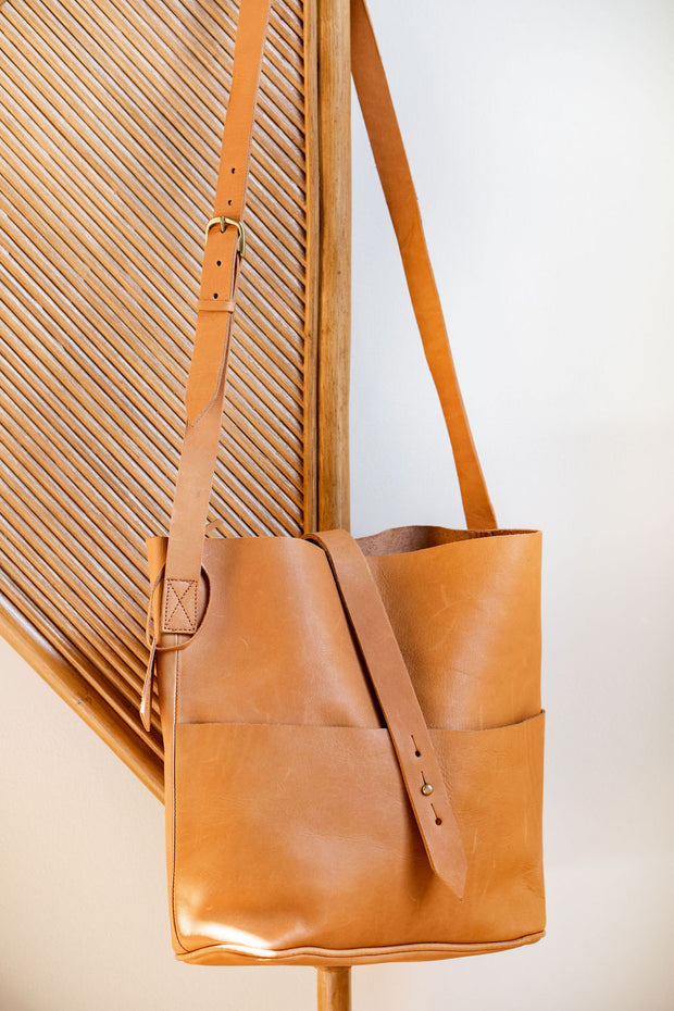 Meyelo Leather Bags: Nubuck Messanger