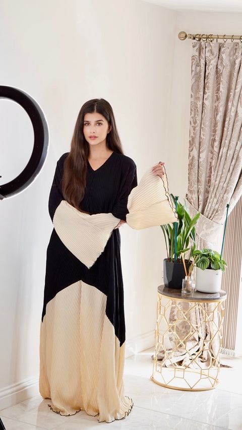 The Amani Pleated | Closed Abaya
