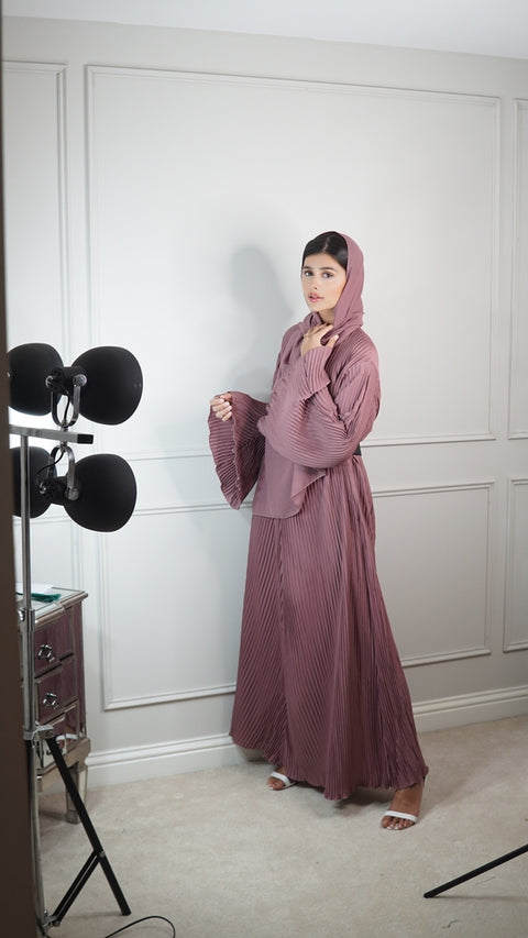 The Afia Dusty Pink - Closed abaya