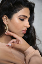 Load image into Gallery viewer, Sarina Pearl Hoops