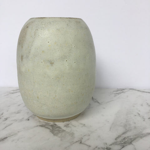 Egg Vase - Smooth - Crusty White