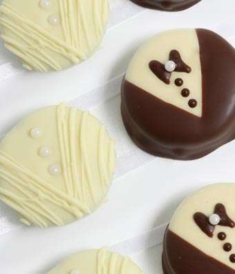 Bride and Groom Oreo Cookies