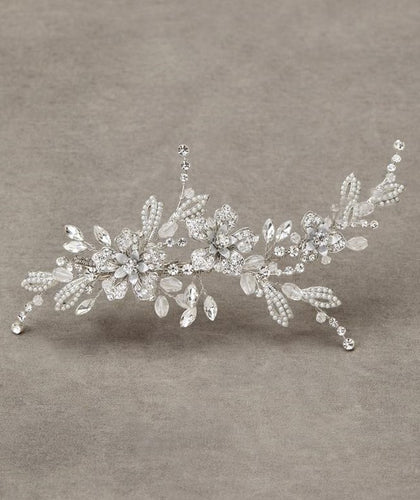 Isadora clip with pearl and crystal details