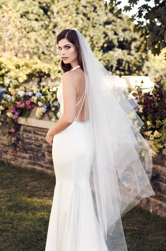 Floor length veil with asymmetrical detail, V475FL
