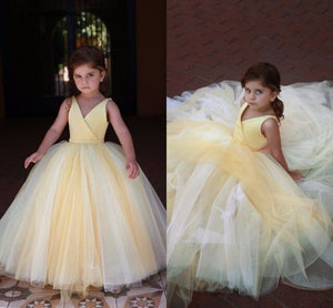 Lovely Yellow Flower Girl Dresses For Wedding V Neck Pleats Ball Gown Floor Length Modest Girls Pageant Party Gowns
