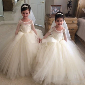 new arrival Puffy ball gown Flower Girls Dresses for wedding long sleeve modest vintage lace country First Communion Dress
