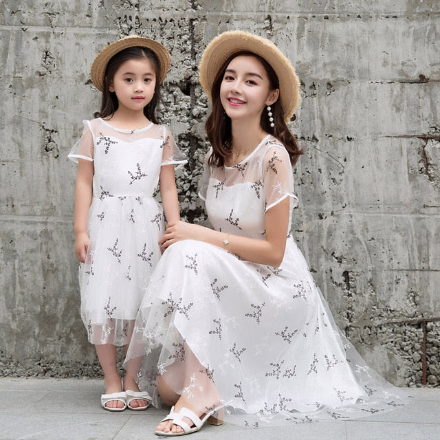 Mother Daughter Dresses for Wedding Party Elegant Matching Clothes for Family Look Sets Mom Daughter Fashion Girls Mesh Clothes