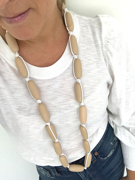 Evie Marques Original necklace Caramel on white cord